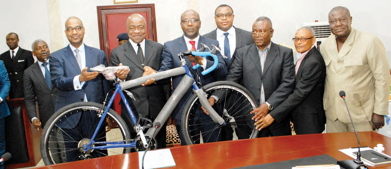 vivendi-offre-60-velos-à-la-federation-camerounaise-de-cyclisme-1280x555.jpg