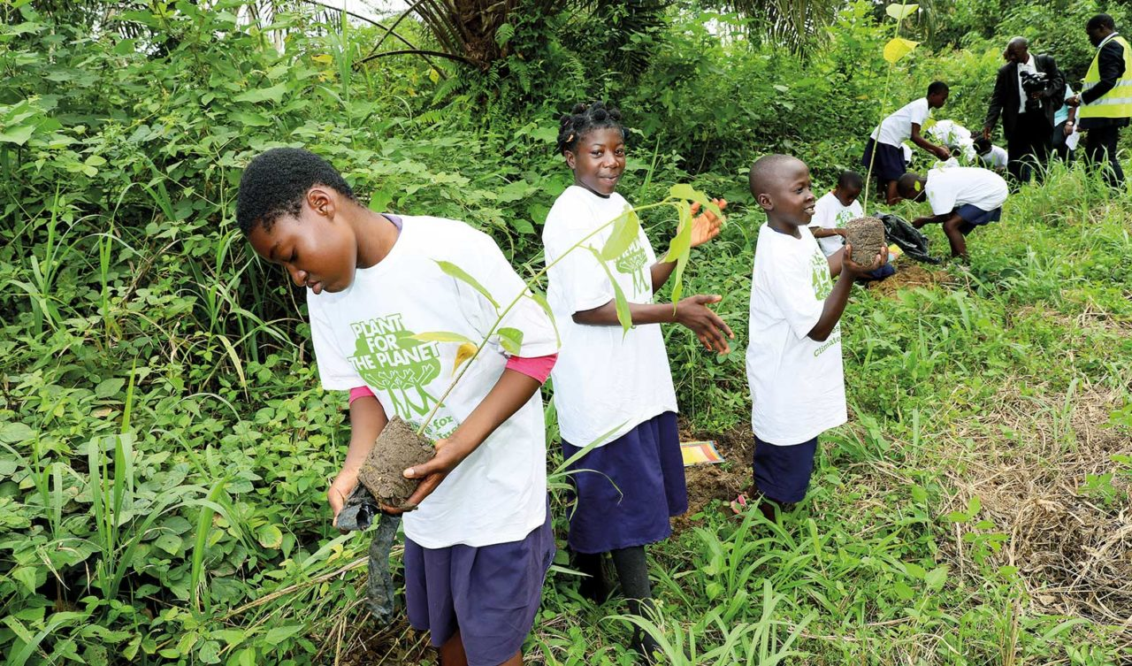 Mbalmayo-reçoit-200-arbres-pour-la-protection-de-lenvironnement-1280x753.jpg