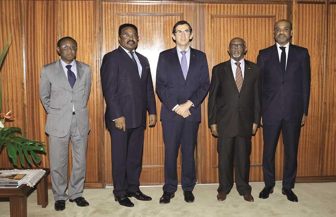 Vandalisme-à-l'ambassade-du-Cameroun-en-France-Le-gouvernement-exprime-son-indignation.jpg
