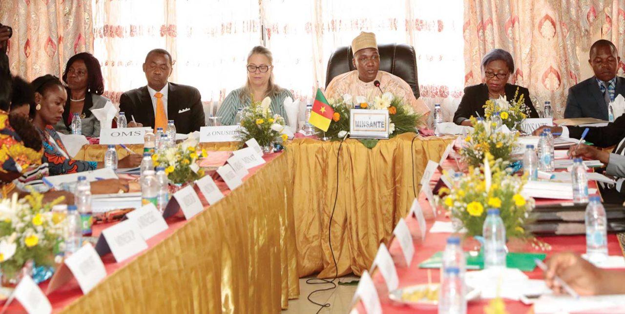 reunion-Comite-national-de-lutte-contre-le-Sida-avec-Malachie-Manaouda-1280x644.jpg