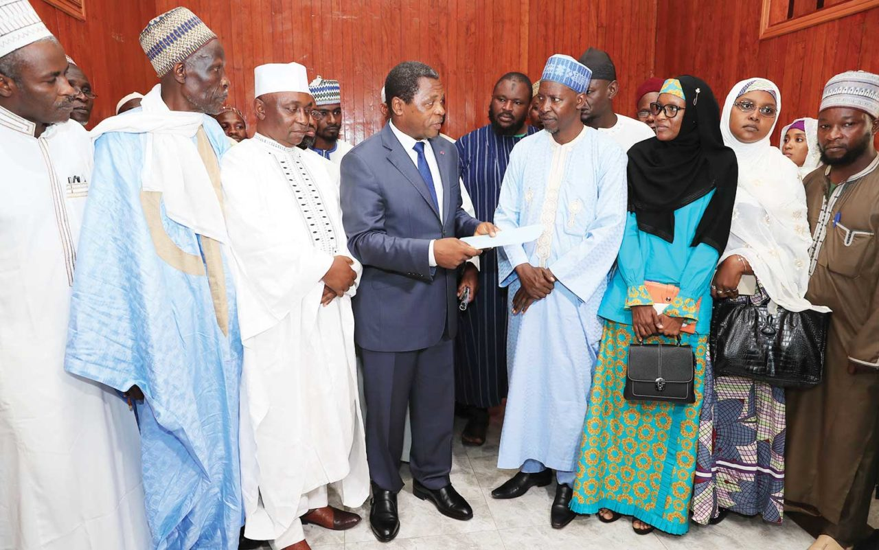 hadj-2019-Paul-Biya-accorde-une-subvention-a-hauteur-d'1-milliard-de-FCFA-1280x801.jpg