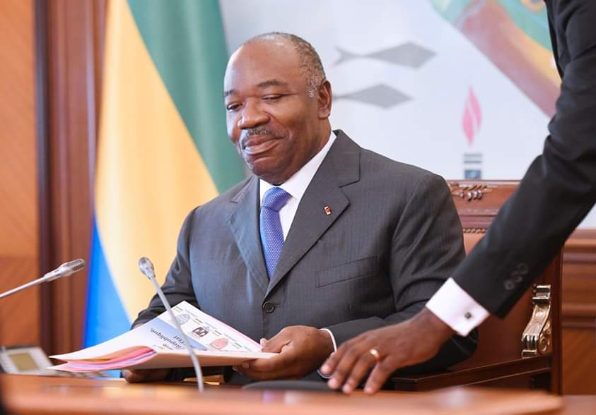 Ali-Bongo-Ondimba-conseils-des-ministres.jpeg