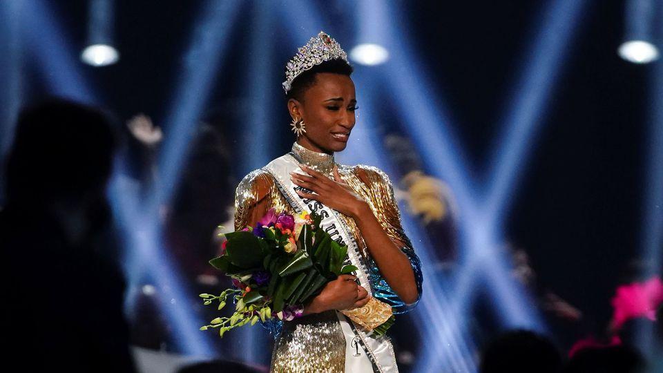 Zozibini-Tunzi-Miss-Univers-2019.jpeg